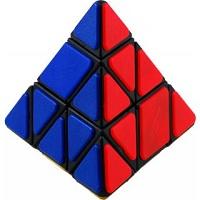 16f93e2888a Mostro uma maneira de resolver esse quebra-cabeça usando coisas que você já  sabe do Pyraminx